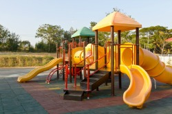 12 Tips to Keep Your Child Safe on the Playground