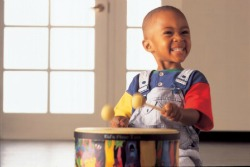 5 Great Ways to Let Kids Play with Music and Instruments