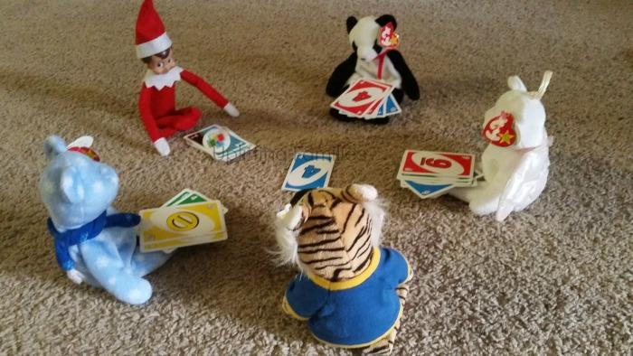 Elf on the Shelf Playing Uno